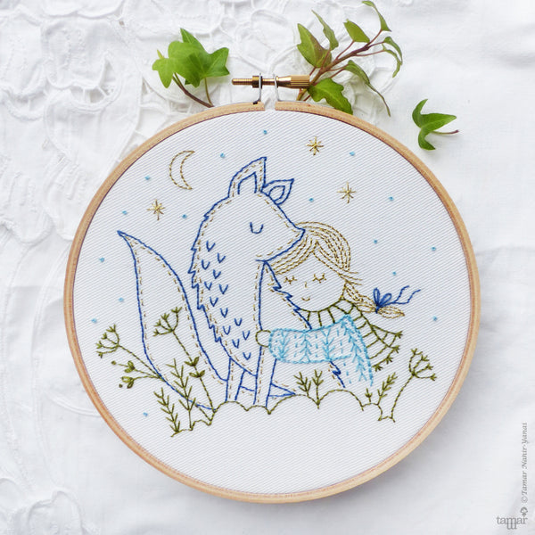 "Winter Fox - 6"" embroidery kit"