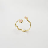 Wavy gold ring