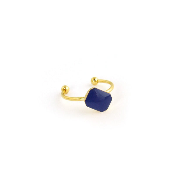 Dainty gold ring with enamel