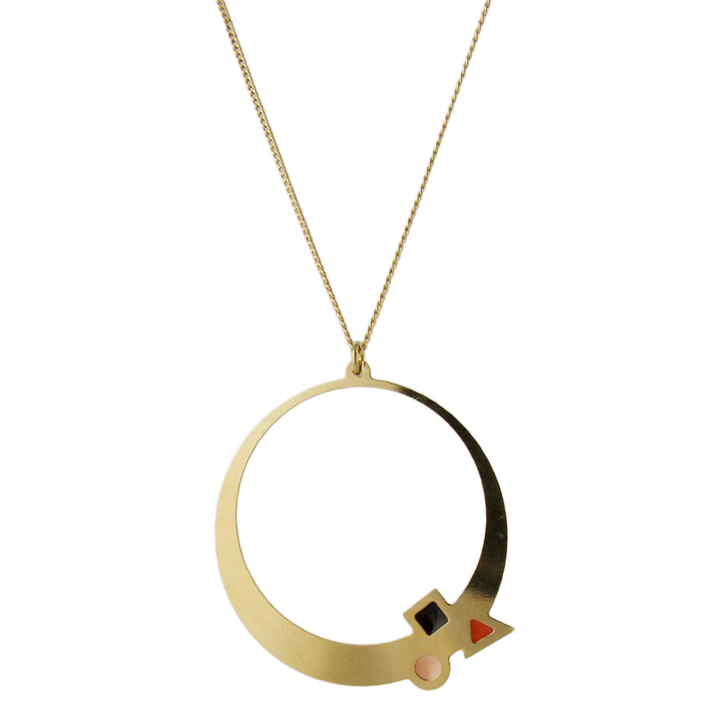Long necklace with enamelled gold circle