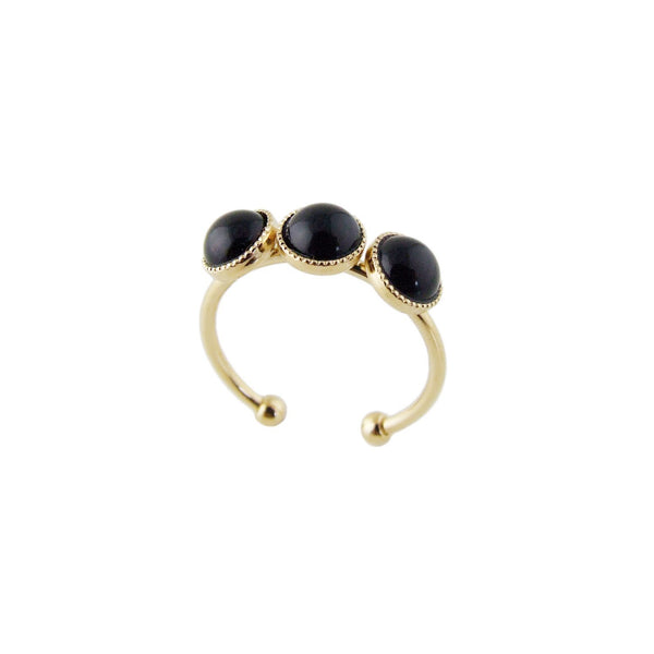Aliquo handmade gold ring in black