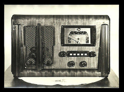 Radio Photo Table Model Wood Case Silvertone Close Up 7x5 Dials Push Buttons