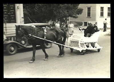 Horse Drawn Parade Float Photograph B/W Town Center Sharp Image - Paperink Graphics
