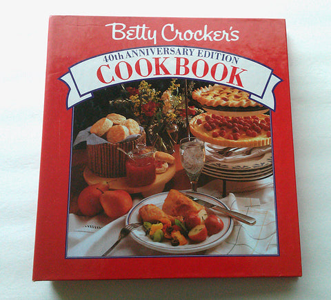 Betty Crocker 40th Anniversary Edition Cookbook Food Recipes Kitchen Photo Illustrations 1991 Loose-leaf 5 Ring Hardcover Craft Supplies