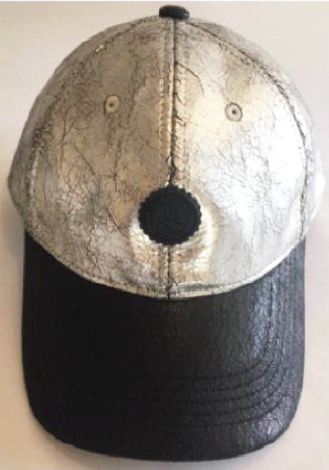 SILVER/BLACK CRACKED CAP