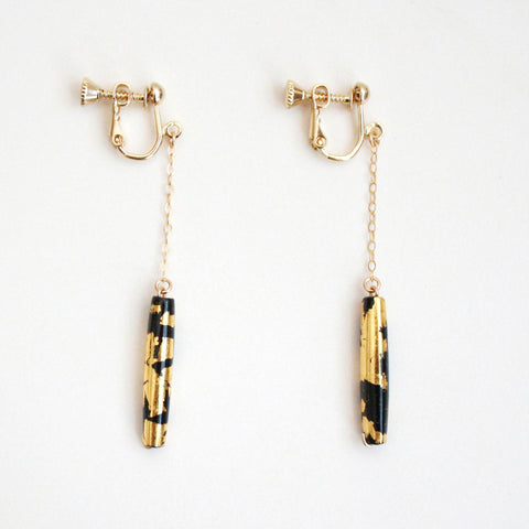 24k Gold Pair of Black Tubes Leaf Clip On Earrings