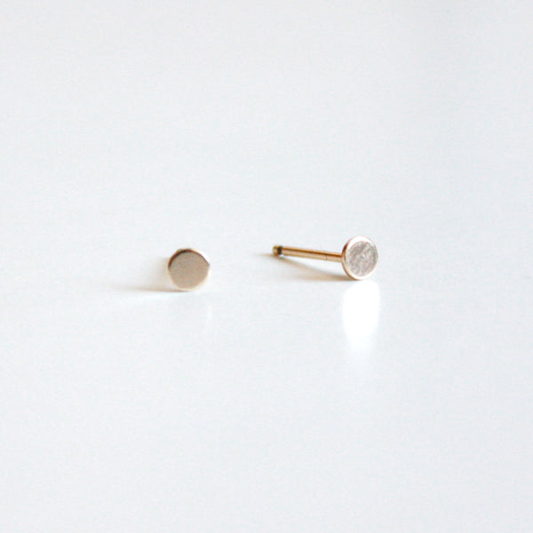 Tiny Dot Circle Stud Earrings