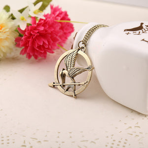 2015 Hot Selling European And American Popular Hunger Games Mock Bird LOGO Necklace