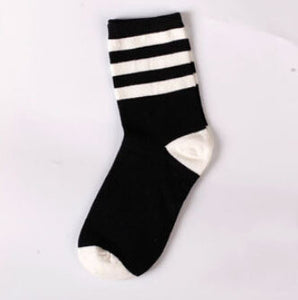 Autumn and Winter Fashion Black and White Hit Color Cotton Men's Socks Houndstooth/Stripes/Plaid/Stars/Leopard Tide Sock 511w