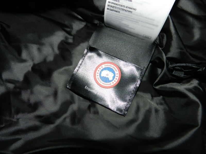 CANADA GOOSE Stellarton Down Coat Jacket - Size Small (MISSING HOOD)