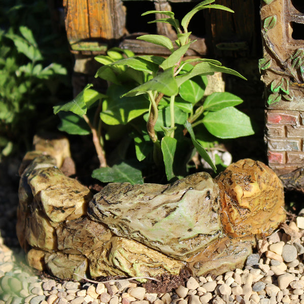 Curved Stone Wall: Fairy Garden Landscaping Miniature - Baby Feathers Gift Shop