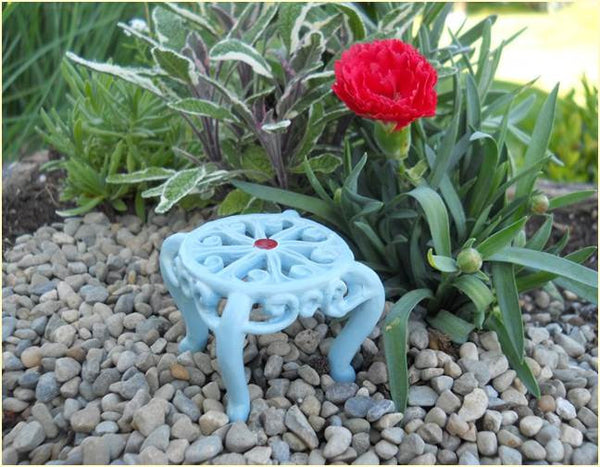 Vintage Metal Round Table: Fairy Garden Miniature Furniture - Baby Feathers Gift Shop