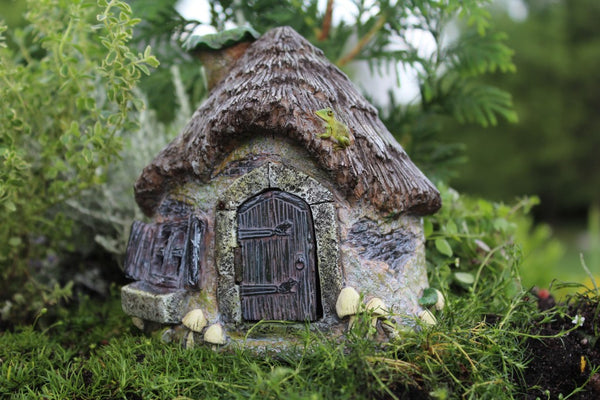 Ribbett's Ridge Fairy Cottage with Hinged Door - Baby Feathers Gift Shop