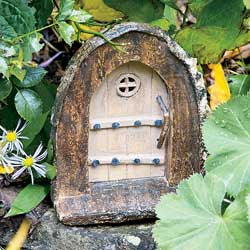 Briars Arched Fairy Door: Fairy Garden Landscaping Miniature Door - Baby Feathers Gift Shop