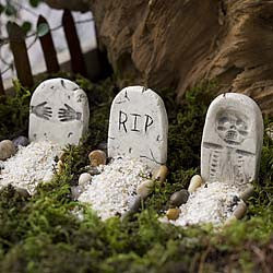 Halloween Tombstones: Fairy Garden Holiday Theme