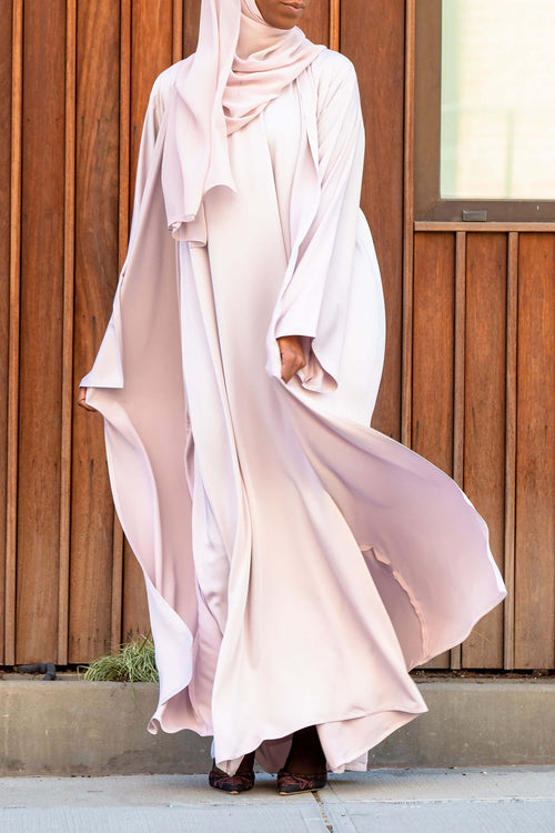 Essential Maxi in Light Lavender | Al Shams Abayas 1