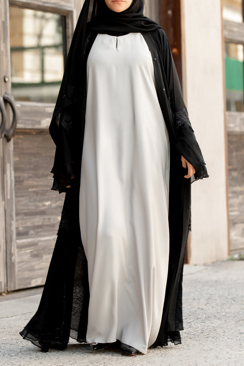 Essential Maxi in Pastel Grey | Al Shams Abayas 6