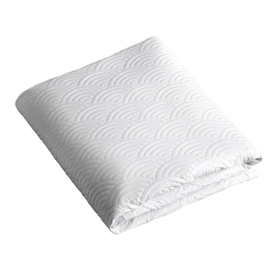 WHITE SEIGAIHA COT QUILT