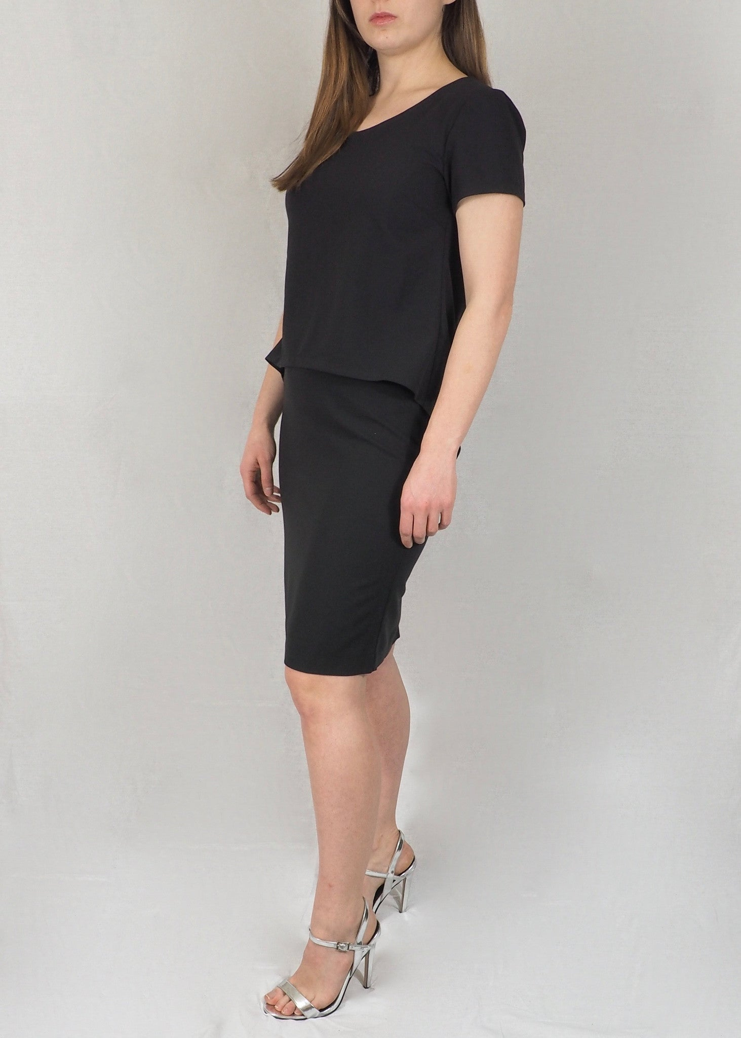 Split-Back Breastfeeding Dress - Black