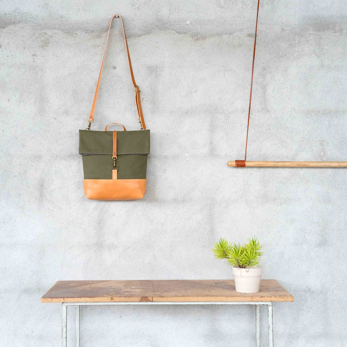Gerda Shoulder bag / Khaki Canvas 24oz - Disponible el 1 de Julio
