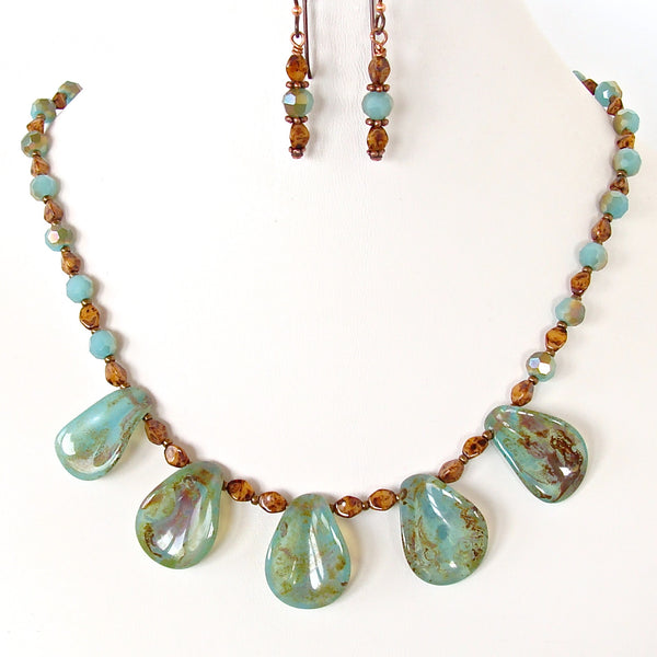 Beaded aqua green necklace