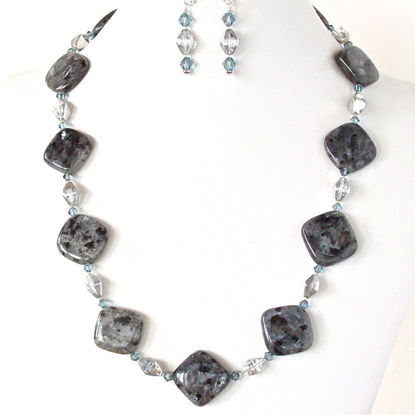 Black and silver necklace set