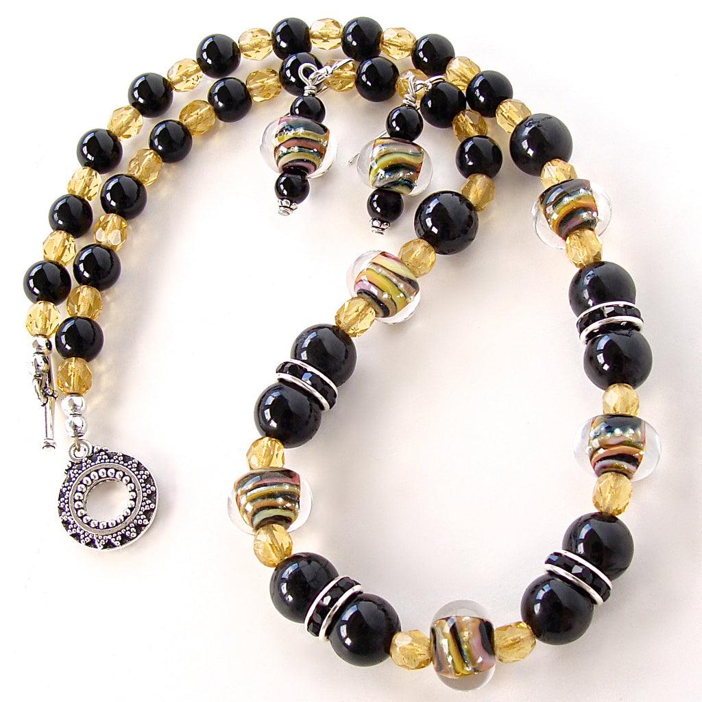 Black and yellow necklace set