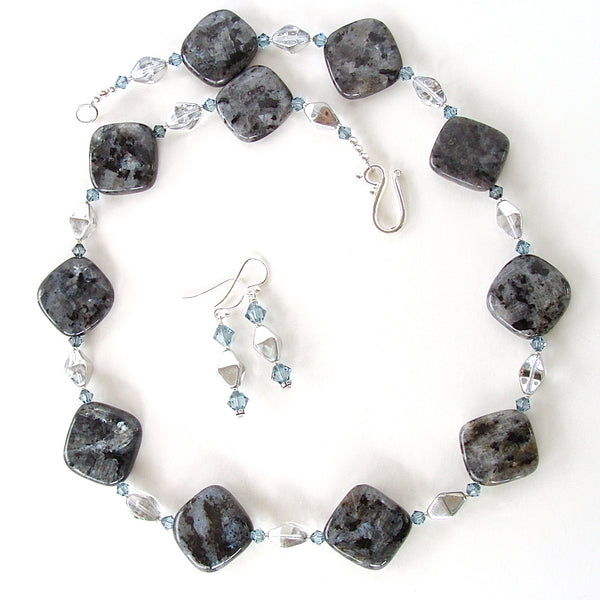 Black gem necklace set