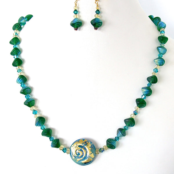 Bottle Green Necklace Set