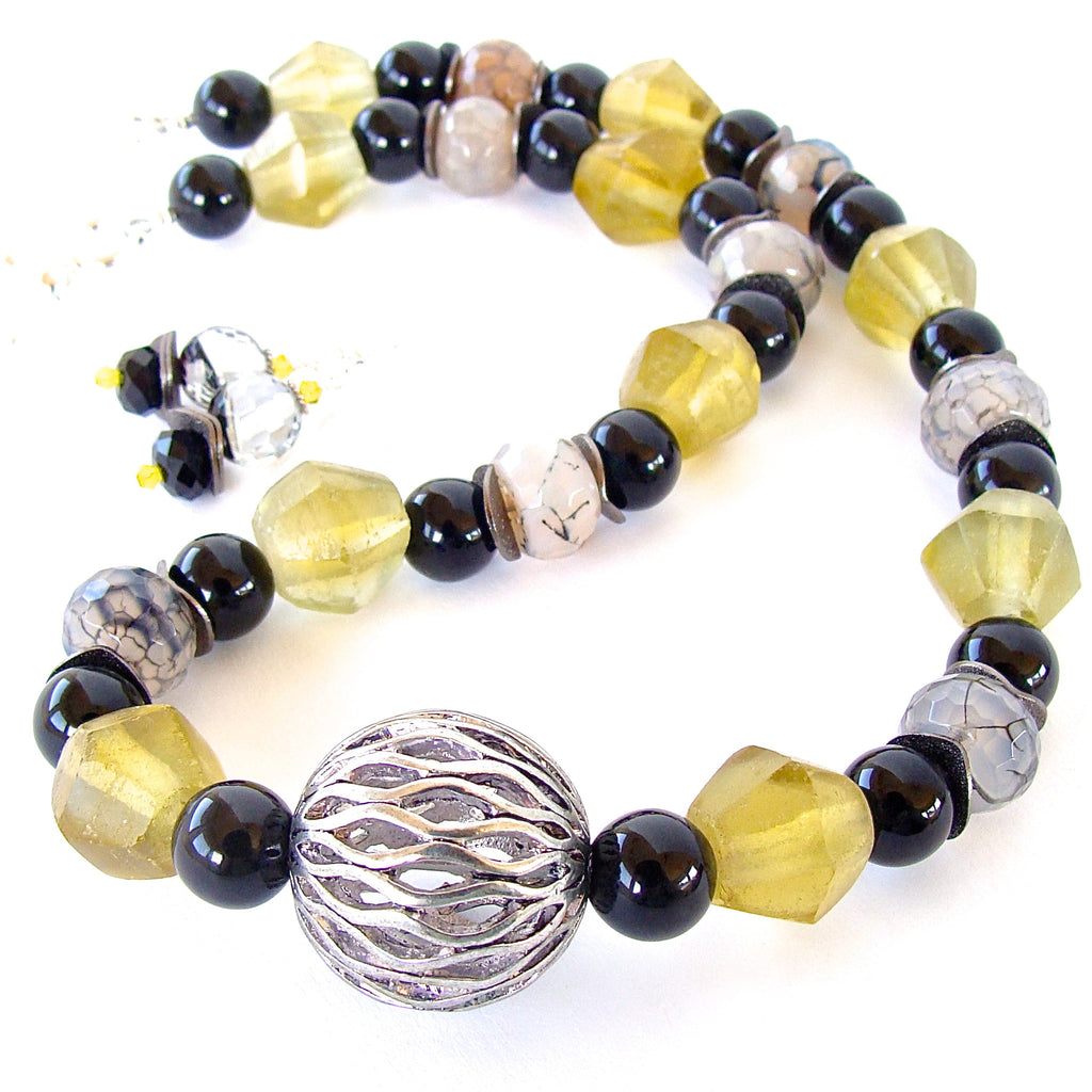 chunky necklace in yellow