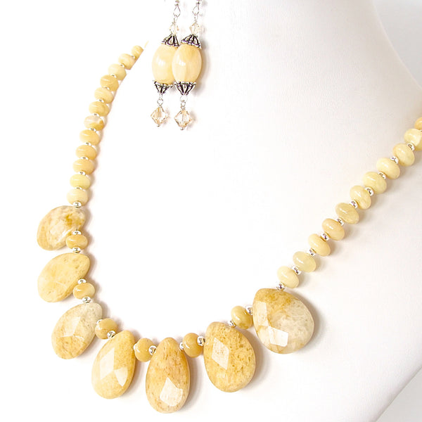 Cream Stone Necklace Set
