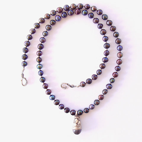 Freshwater pearl necklace with Tibetan Pendant