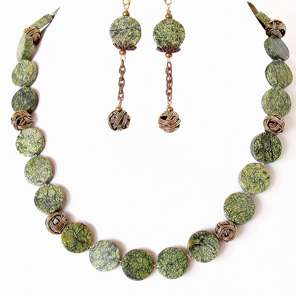 Gemstone Necklace in Pistachio Green