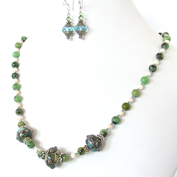 Argus: Apple Green Stone Necklace Set