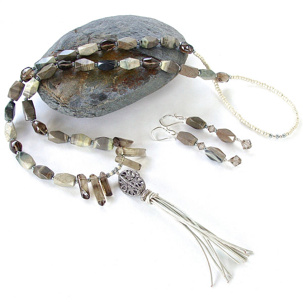 Jasper necklace with white tassel