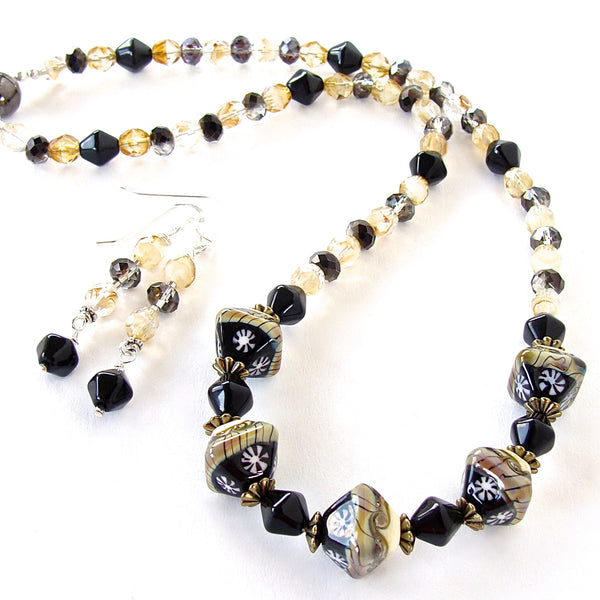 Magnetic clasp necklace set