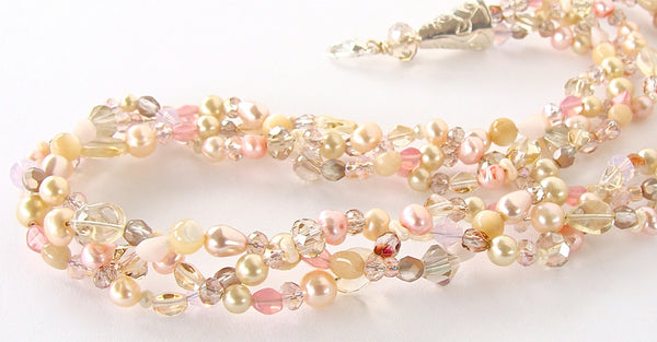 Nude Pearl Necklace