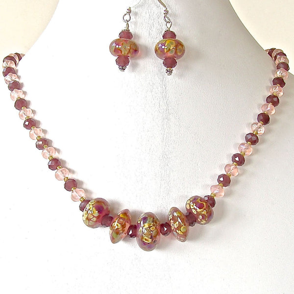 Plum and green handcrafted glass necklace set