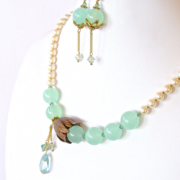 Special occaision gemstone necklace