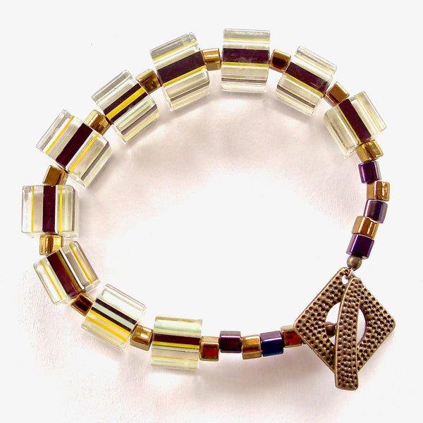 beaded bracelet with graphic pattern