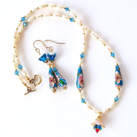 blue and white pearl necklace set