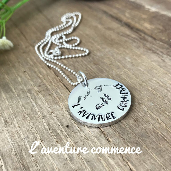 Collier Voyage 'L'Aventure commence ici'