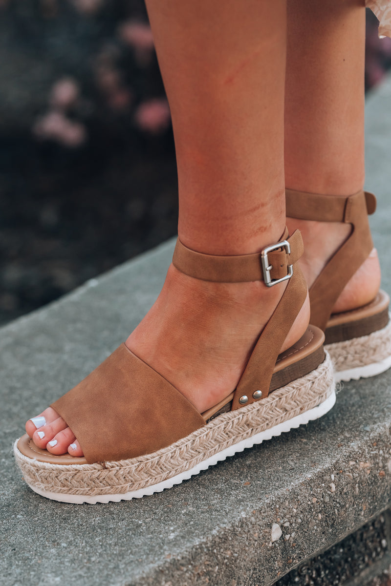 Standard Issue Platform Sandals (Tan)