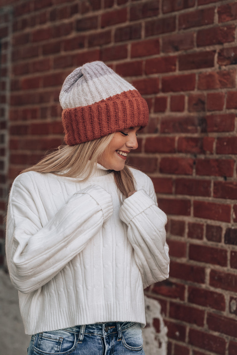 Roaming Striped Beanie (Pink)
