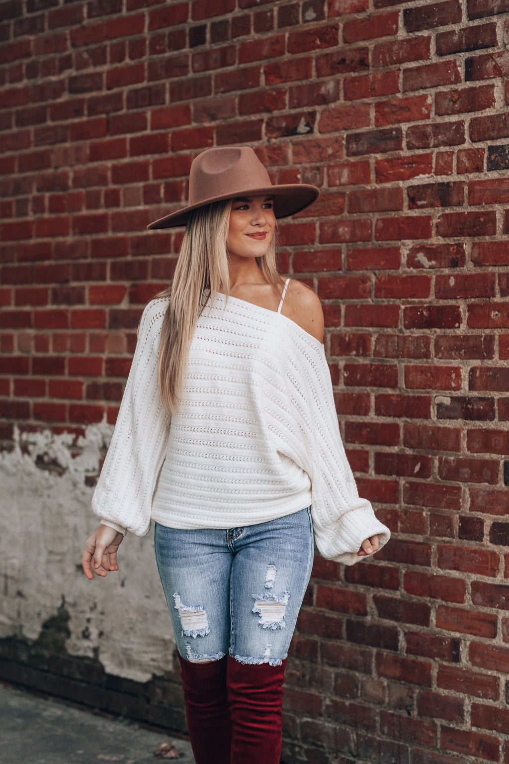 Highland Off Shoulder Sweater (Cream)