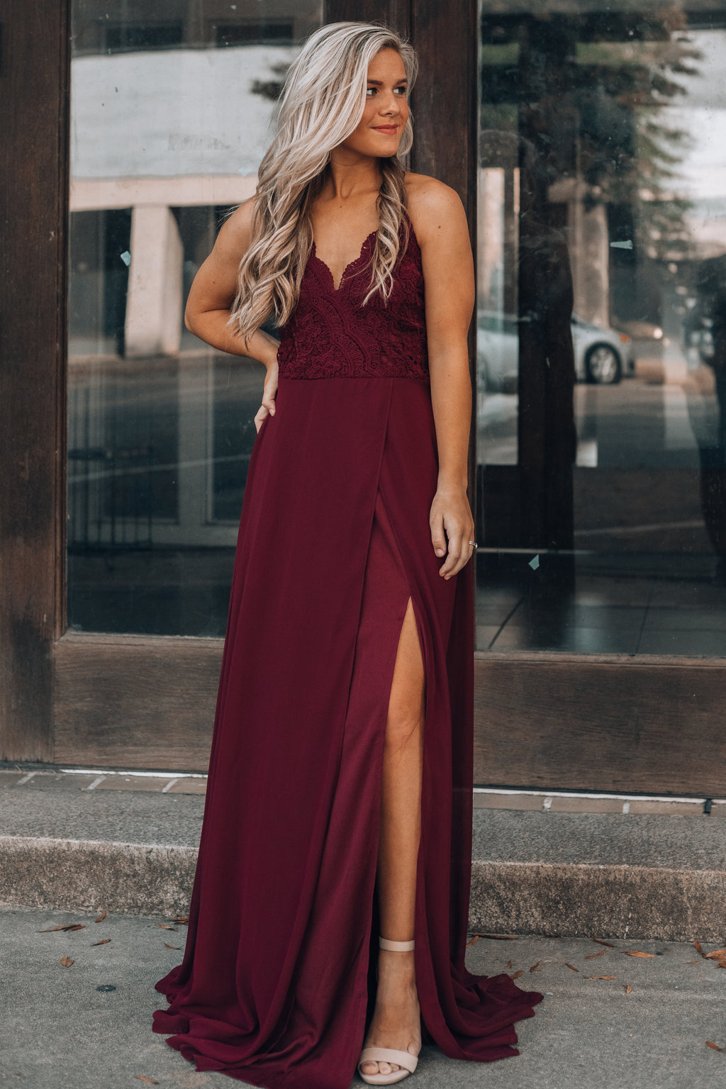 Runaway Lace Maxi Dress (Burgundy)