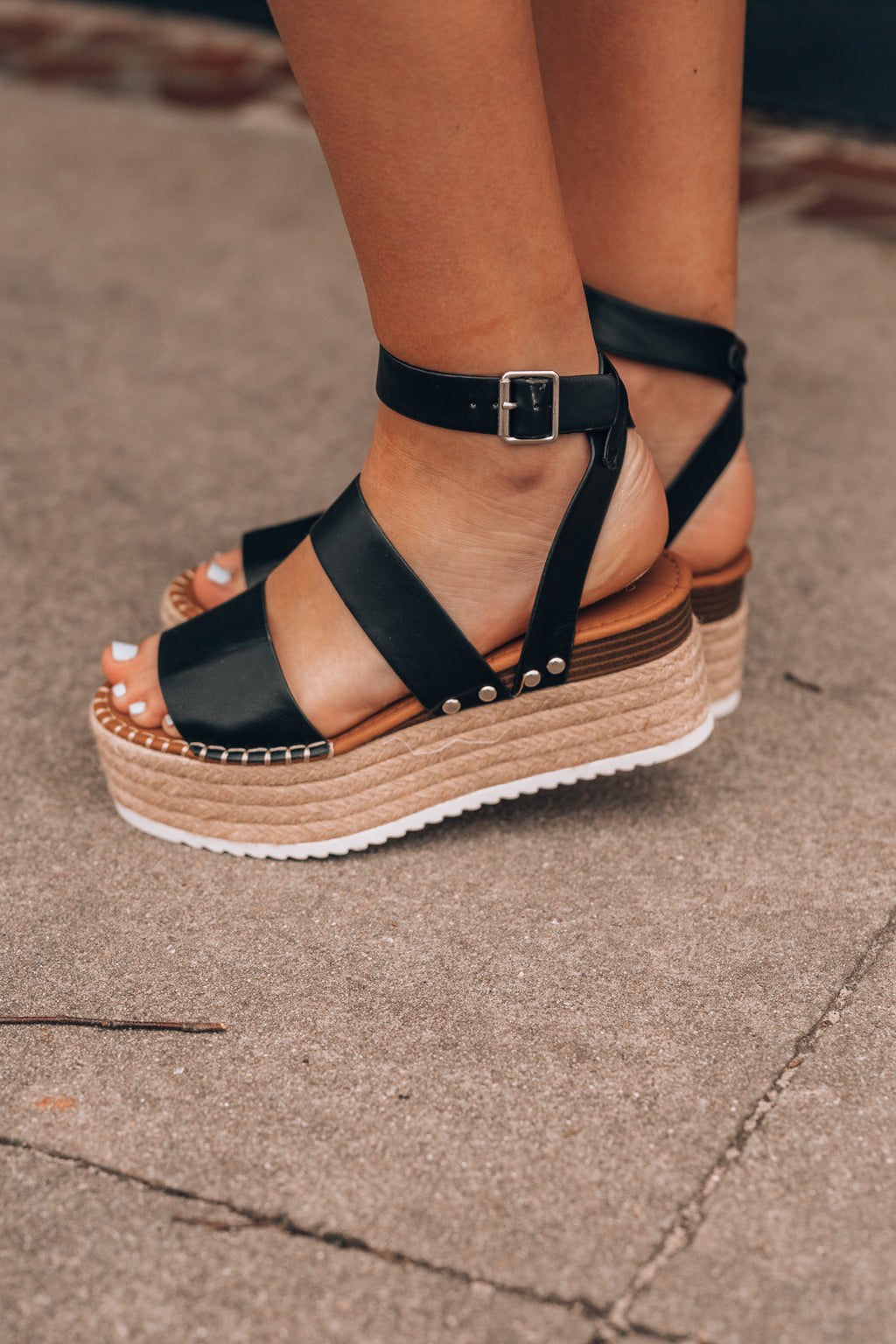 What's Up Platform Sandals (Black)