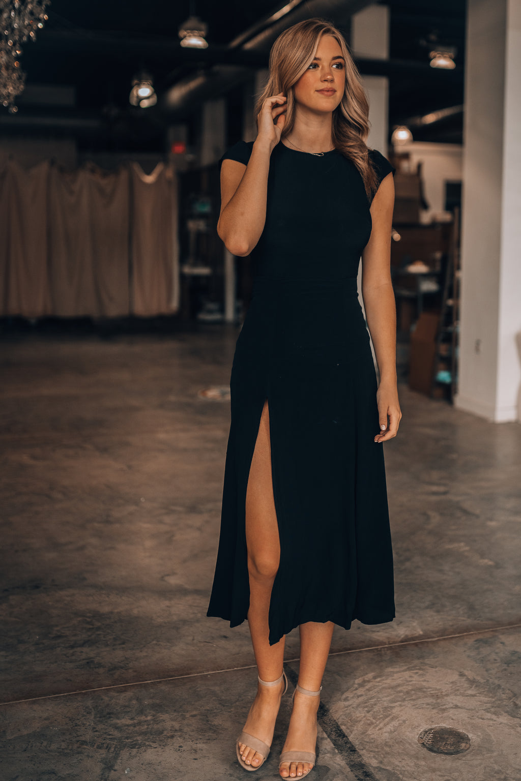 Denver Open Back Midi Dress (Black)