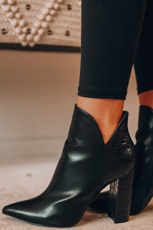 Petaluma Booties (Black)