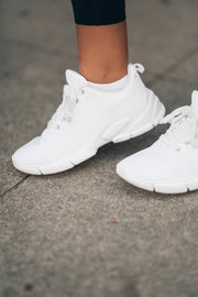 Off Duty Knit Sneakers (White)